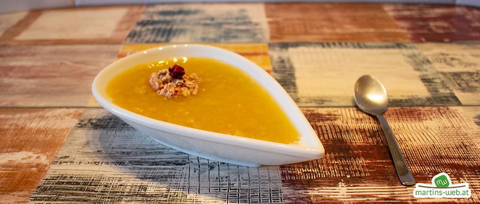 Chia-Pudding mit Pfirsichmus