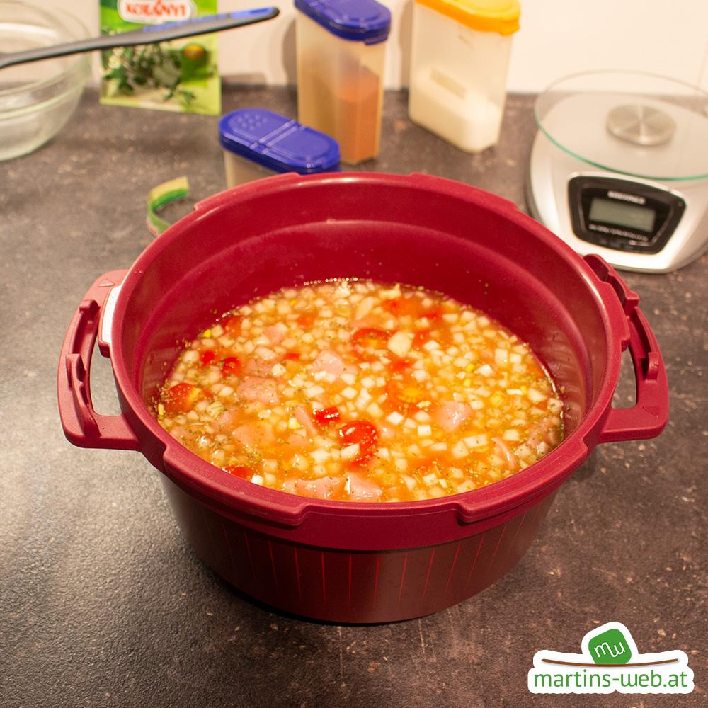 Die Suppe dazugeben