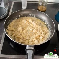 Kirsch-Reisauflauf mit Honig-Mandel-Topping