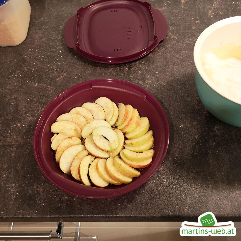 Apfelstücke für den Vitalwunder Apfel-Marmorkuchen
