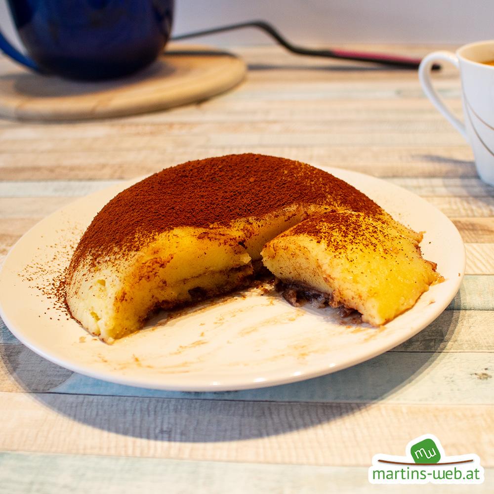 Kinder Pingui Kuchen auf einen Teller gestürzt