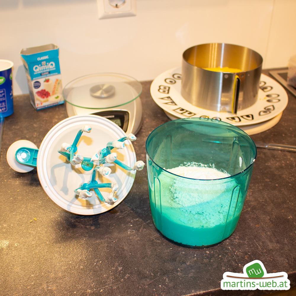 Zubereitung der Creme für meinen Heidelbeer-Joghurt Kuchen