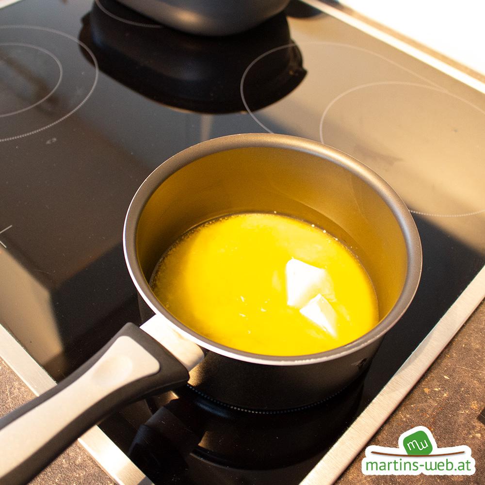 Butter in einem Topf schmelzen