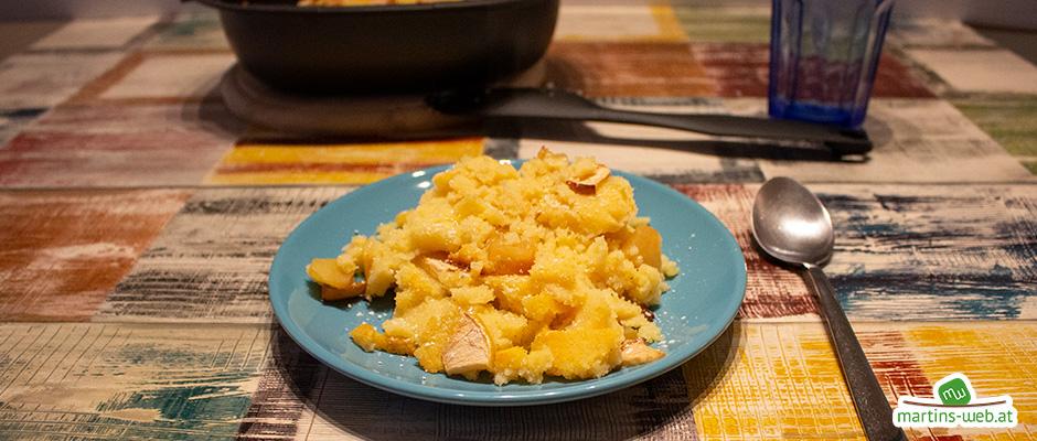 Grießauflauf mit süßen Apfelstückchen
